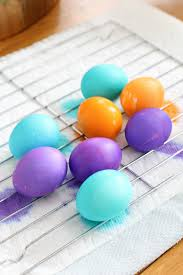 how to color easter eggs how to dye easter eggs and get vibrant colors all things mamma