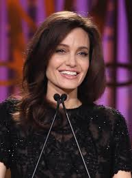 Jolie Chance Do 2017 Jpg Shonda Rhimes And Angelina Jolie Seated Beside Each Other At Thr U0027s