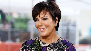 how to get a kris jenner haircut kris jenner now has blond hair just like her daughter kim