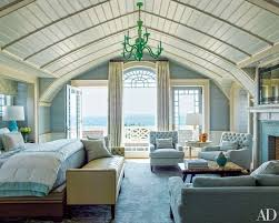 Bedroom Furniture Long Island by This Stunning Shingled Beach House In The Hamptons Features Modern