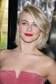 julianne hough hairstyle in safe haven photos julianne hough and josh duhamel take safe haven to canada