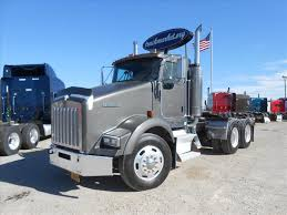 kenworth t800 used 2005 kenworth t800 tandem axle daycab for sale in ms 6465
