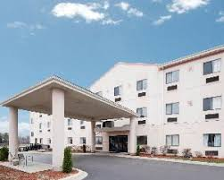 Comfort Suites Oakbrook Terrace Party Venues In Lombard Il 358 Party Places