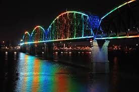 four lights inside louisville a city guide lights on the big four bridge