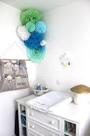 chambre bebe vert d eau chambre vert d eau bleu jaune cerise et petits pois