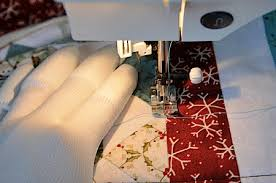 in the studio quilted holiday table runner day 6