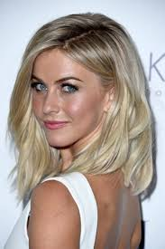 mid length blonde hairstyles julianne hough s medium length blonde hair casual party summer