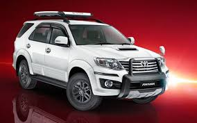 cars in india toyota 2016 toyota fortuner debuts at motor india launch