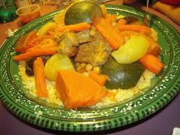 maroc cuisine traditionnel couscous marocain traditionnel legumes agneau familial mariage