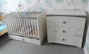 canapé winnie l ourson chambre de bb winnie l ourson best tour de lit bebe winnie