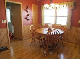 Pronunciation Of Wainscoting Kitchen Wainscoting Wallpaper Wainscoting Designs Beadboard