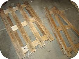 diy how to make an american flag out of a wood pallet step by