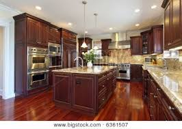 Hardwood Cabinets Kitchen by Best 25 Cherry Wood Kitchens Ideas On Pinterest Cherry Wood