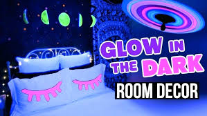 how to use black light paint black light wallpaper for bedroom awesome black light paint for how