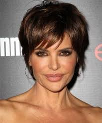 how to get lisa rinna s haircut step by step lisa rinna photos photos lisa rinna arrives at lax