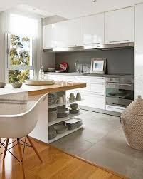 idee carrelage cuisine idée relooking cuisine ilot central en bois avec carrelage gris