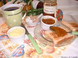 chambre et petit dejeuner petit déjeuner servi à ma table d hôtes chambre d hôtes aux