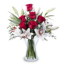 roses and lilies festive and bouquet christmas flowers floraqueen