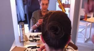 comment cuisiner les chignons de cannes 2014 comment réaliser le chignon de grace cheveux