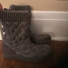 s isla ugg boot 56 ugg shoes ugg isla knit boot size 6 from chrissy s