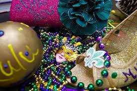 mardi gras throws throws cause frenzy during mardi gras the maroon