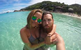 Break Letter Girlfriend guy pens epic love letter to his girlfriend after traveling the