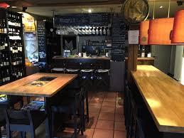 agencement cuisine professionnelle bar à vin le goupil ribeauvillé chêne acier panneau noir gris