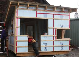 tiny house build learn to build simple tiny house build tiny house home decoration