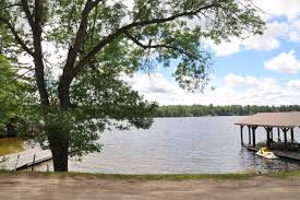 Cottage Rentals Lake Muskoka by This Perfect Little Cottage Rental Getaway On Lake Muskoka Just