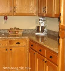 Updating Kitchen Cabinets by Updating Cabinets With Door Hardware The Kim Six Fix