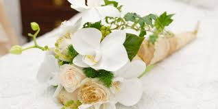 Frugal Flowers - save the beautiful flowers from a wedding a few tips on how to