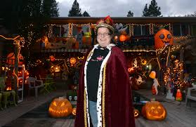 queen of halloween u0027 puts on another spook tacular display the