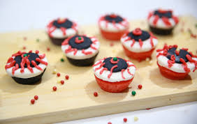 how to make halloween eyeball cupcakes 11 steps with pictures