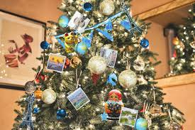 themed christmas tree travel themed tree inspiration