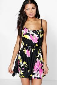 elle strappy floral sundress boohoo