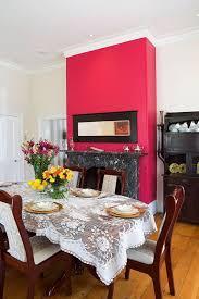 cuisine blanche mur framboise chemine blanche pice entretien sol radiateur lctrique fausse