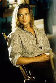 brad pitts haircut in seven brad pitt s hairstyles pitt s movie hair moments from long to short