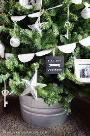 simple rustic christmas memory tree