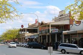 country towns young families not retirees the best bet for country towns