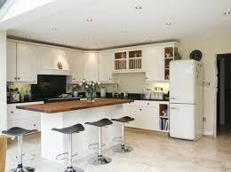 cuisine aire ouverte salon cuisine aire ouverte 6 en bois et tabourets hauts en tant