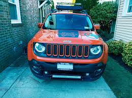 jeep grill logo angry did my grill same color as the car jeeprenegade