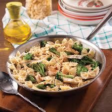 cuisiner les brocolis farfalles express au poulet et brocoli recettes cuisine et