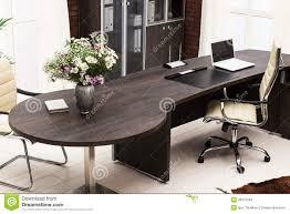 M El Schreibtisch Blumenstrauß Der Blumen Auf Schreibtisch Stockbilder Bild 30015294