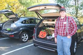 halloween is trunk or treat with prep seniors and hall
