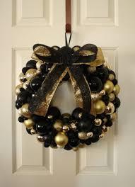 xmas decoration ideas glittering black and gold christmas decoration ideas feedpuzzle