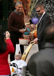 president obama is smitten by toddler u0027s adorable baby pope costume