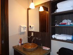chambre attenante salle de bain de la chambre attenante photo de les condos du lac