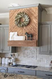 Kitchen Vent Hood Designs by Best 10 Over Range Microwave Ideas On Pinterest Traditional