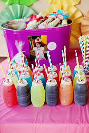 Rainbow Themed Birthday Favors by Best 25 Rainbow Birthday Ideas On Rainbow Birthday