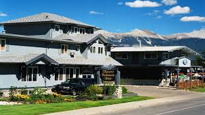 jasper hotels book jasper hotels in jasper national park stay in jasper alberta at mount robson inn banff national park